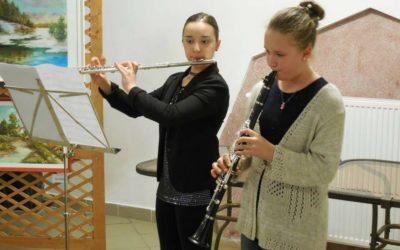 Sztárais zeneiskolások játszottak egy kiállítás megnyitóján
