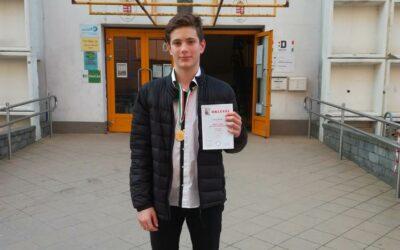 Országos döntőbe jutott sztárais tanuló