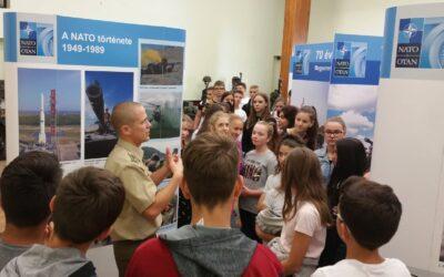 NATO kiállításon voltak a 7. osztályosok